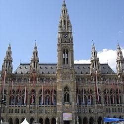 250px-Vienna-town_hall